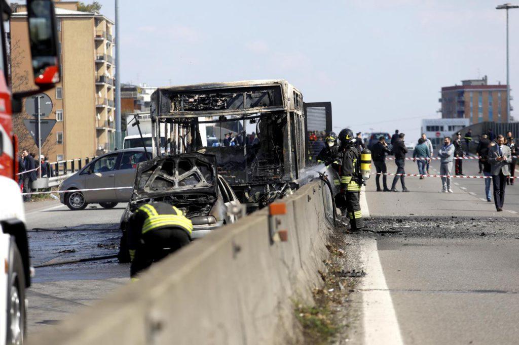 Riflessioni sull'attentato al bus di Milano